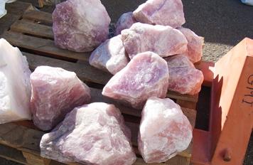 ローズクォーツの原石