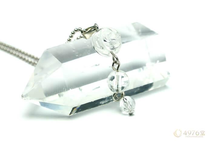 水晶・バラ パワーストーンネックレス