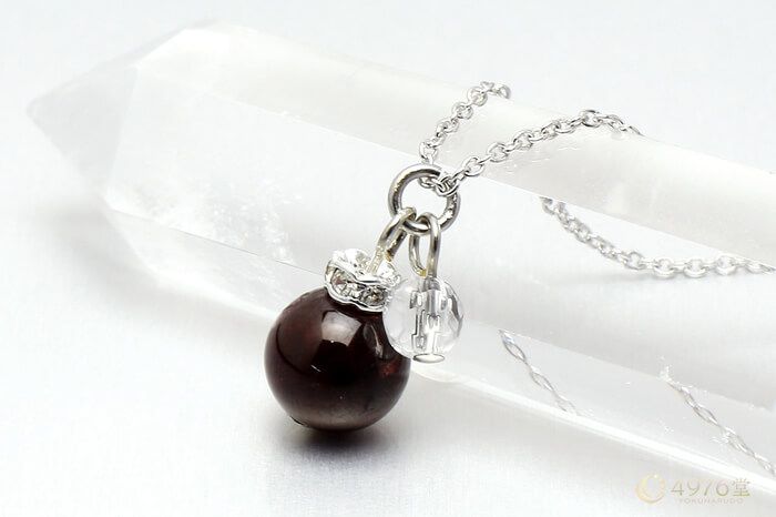 ガーネット・水晶カット ネックレス